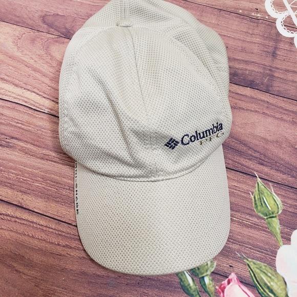 Columbia Other - Columbia omni shade hat